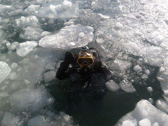 potápění pod ledem