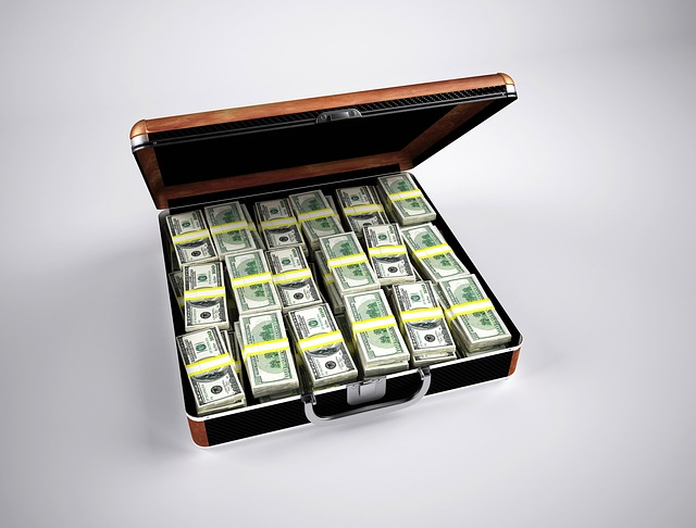 dolarovky v kufru