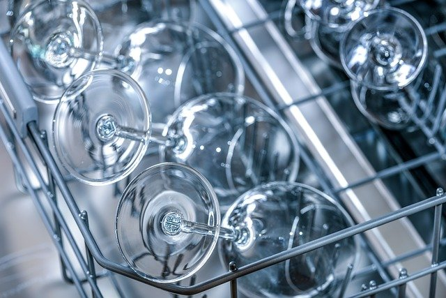 mytí sklenic.jpg