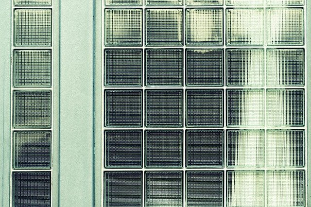 skleněné dlaždice